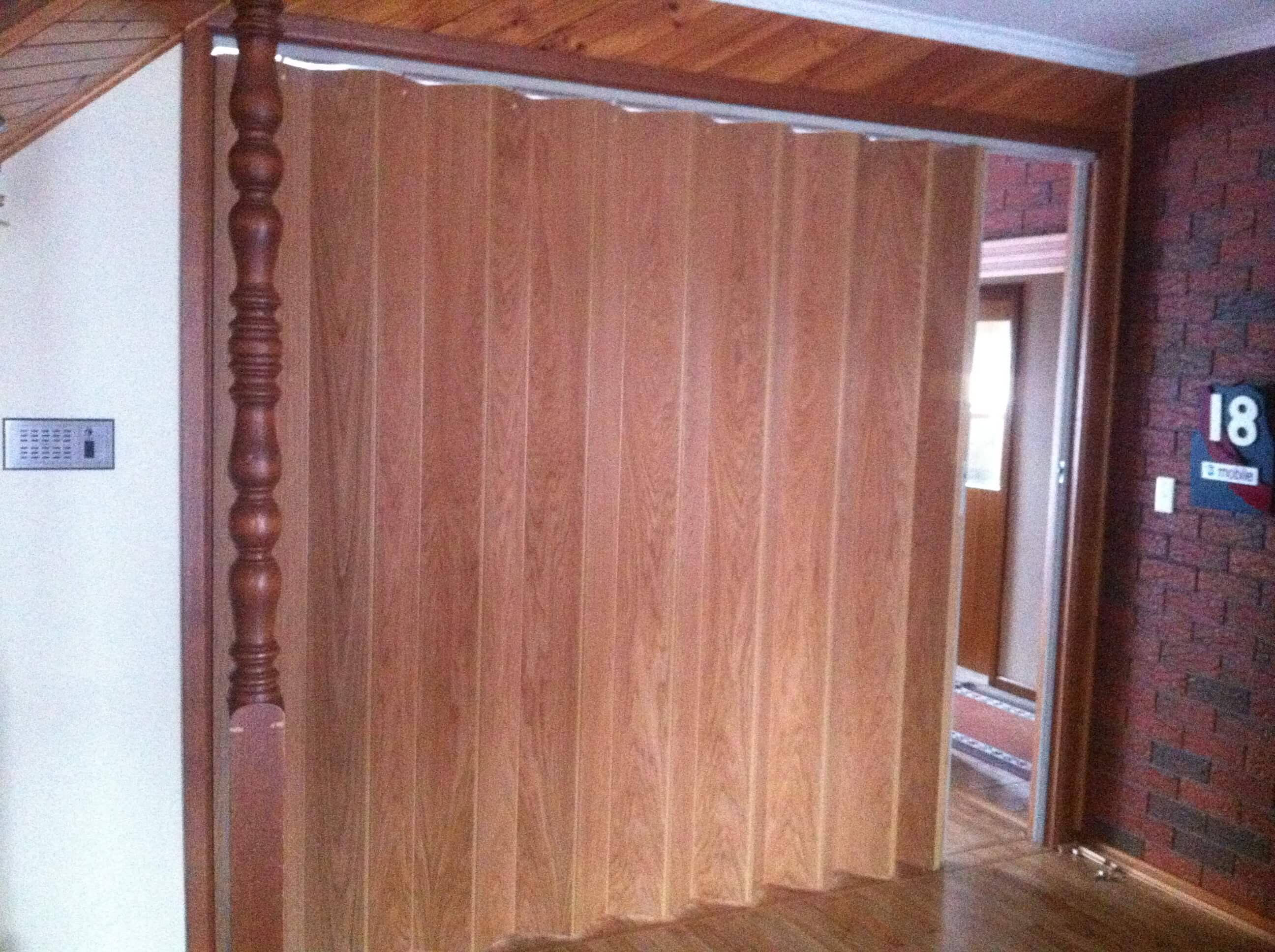Concertina and room divider doors - Room divider doors ...